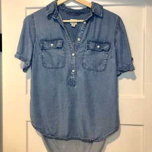 EUC super cute women's chambray button down top